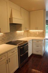 Kitchen_cabinets_tile_quartz (1)