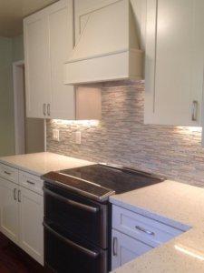 Kitchen_cabinets_tile_quartz