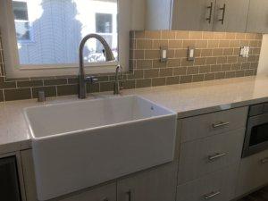 Kitchen_farm_sink