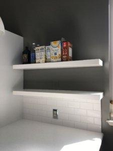 Kitchen_shelves_tile_quartz_white