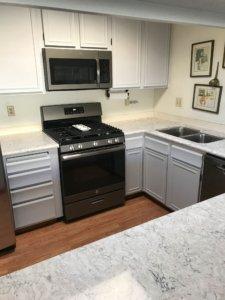 Kitchen_white_quartz_counter