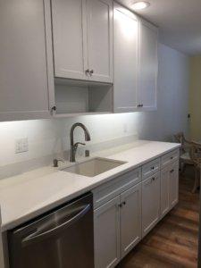 Kitchen_white_quartz_countertop